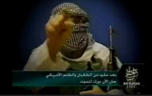 Video, angeblich mit Adam Pearlman (Adam Gadahn), erschienen am 28.10.2004