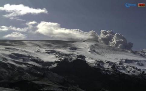 Vulkan Eyjafjallajökull in Island am 19.April um 15.08 MEZ