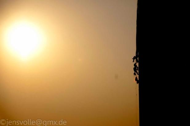 Sisyphos Robin Wood: An der Sonne entlang, hinauf den Hang..