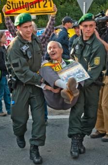 "Ernes Petek am 5. Juli 2011 beim Protest gegen ""Stuttgart 21"" (S21)"